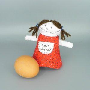 nini san Mädchen als Eierwärmer mit Aufschrift Eierwärmer
